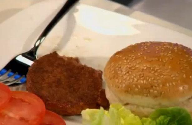 «Frankenburger», le premier steak créé in vitro dégusté à Londres, avait un goût «assez intense»